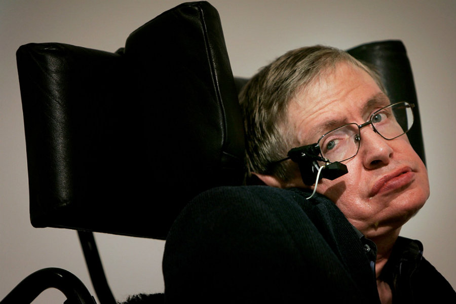 In an interview with Larry King, the famous physicist Stephen Hawking spoke about the biggest threats to humanity. Photo credit: Concierto
