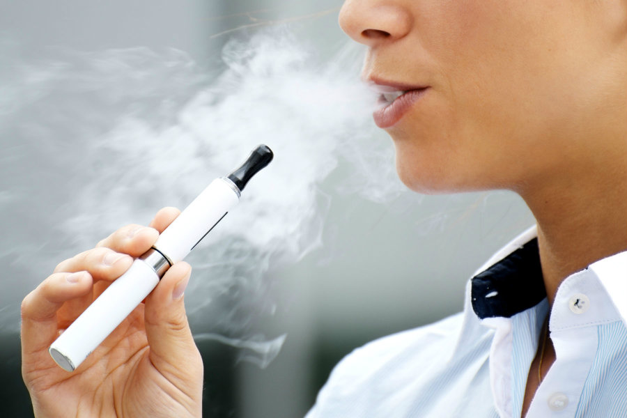 A new study suggests that electronic cigarettes might possess carcinogenic chemicals that are harmful to users. Photo credit: Snopes