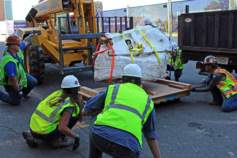 The T-Rex fossil found in Montana arrives safely to Seattle for further investigation and analysis. Image Credit: Daily Mail