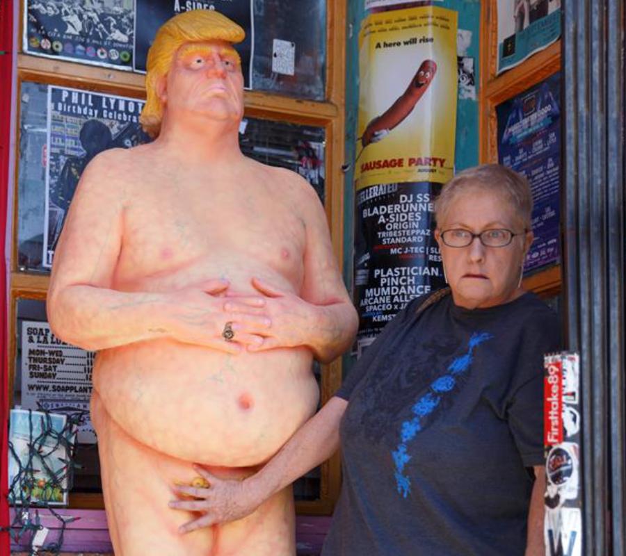Donald Trump Statue