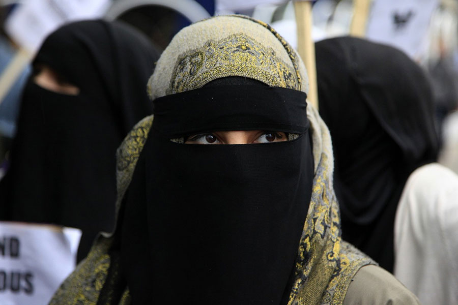 woman-burqa-germany