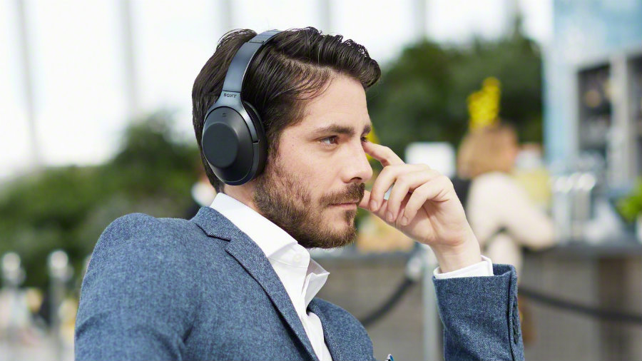 Sony has recently announced it's new pair of high-end headphones, the MDR-1000X model that adapts to the user's ears and desires of noise. Photo credit: Trusted Reviews