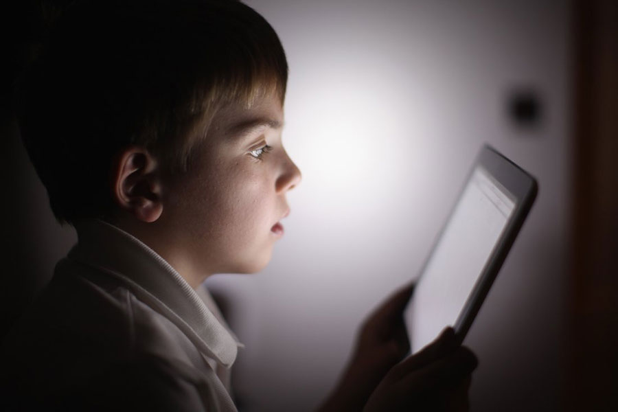 child-screen-time-aad