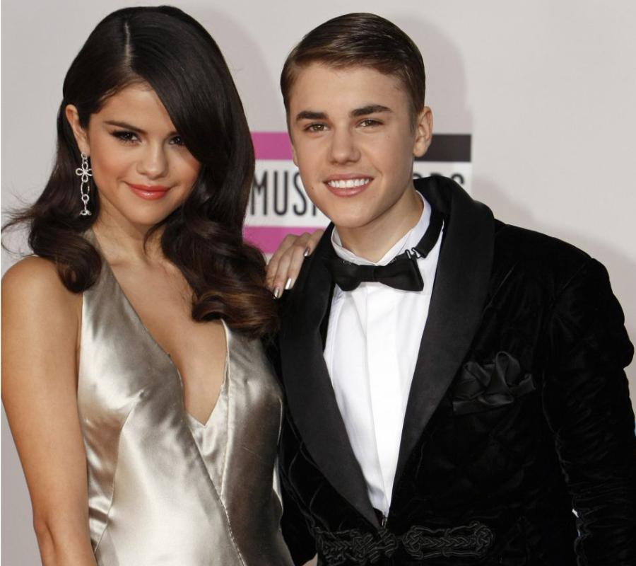 Justin Bieber and Selena Gomez/ Jelena