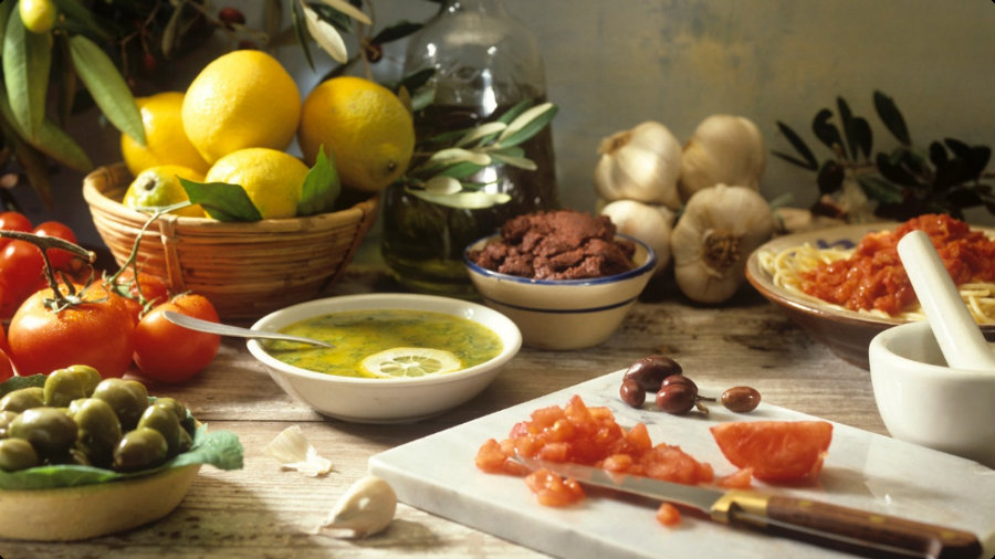 The Mediterranean diet  helps avoid suffering from neurodegenerative diseases. Photo credit: Dimakopoulosi.gr
