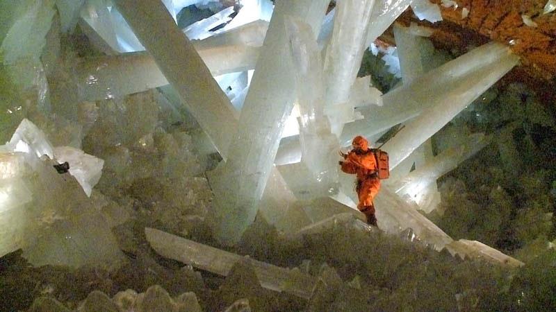 Naica-crystals-cave