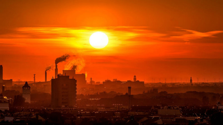 A new study claims that 30 percent of the world's population is currently exposed to damaging and potentially deadly heat. Image credit: Frank Neulichedl / Flickr / Climatechangenews.com