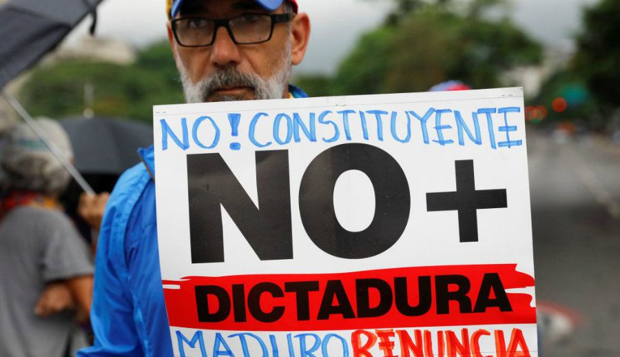Most Venezuelans reject the constituent. Image credit: Reuters / Televisa