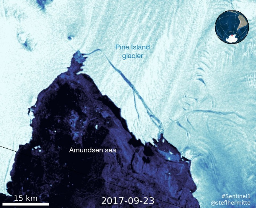 The latest calving in Pine Island Glacier. Image credit: Twitter @StefLhermitte