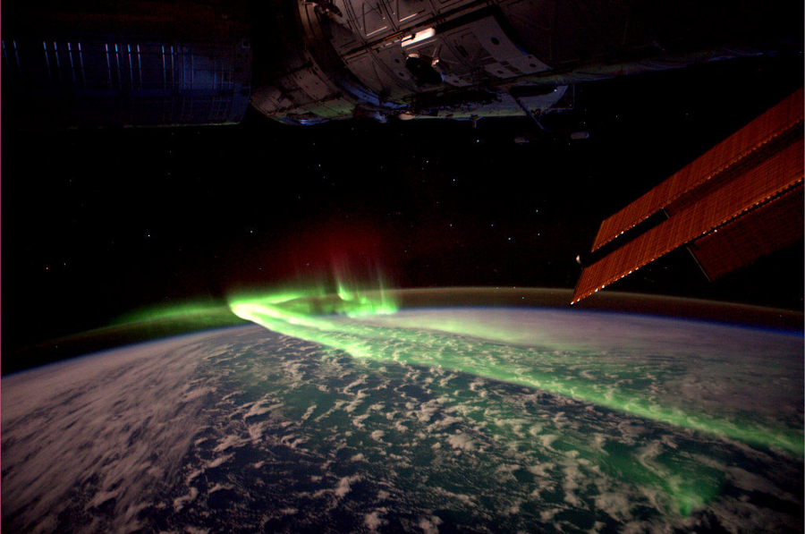 An Earth aurora seen from the ISS. Image Credit: ESA