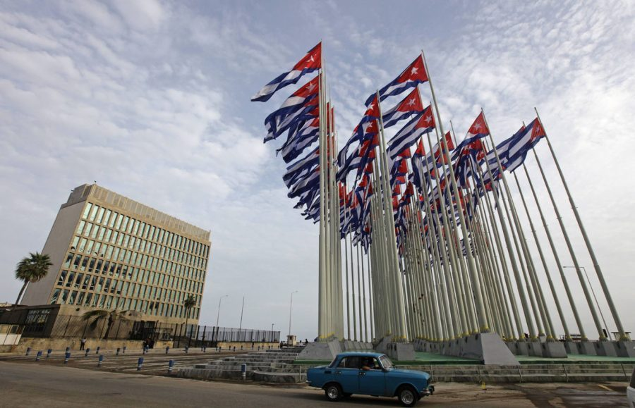 Hundreds of Cuban citizens won't be able to issue visas to visit the U.S. Image credit: Reuters