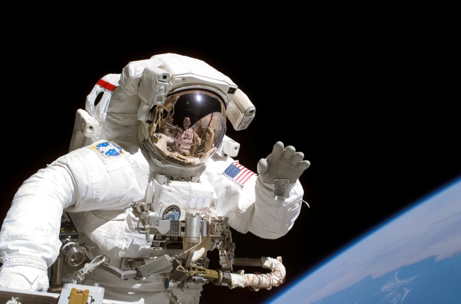 Astronauts brains, Zero gravity effect on astronauts, Long term effects living in space