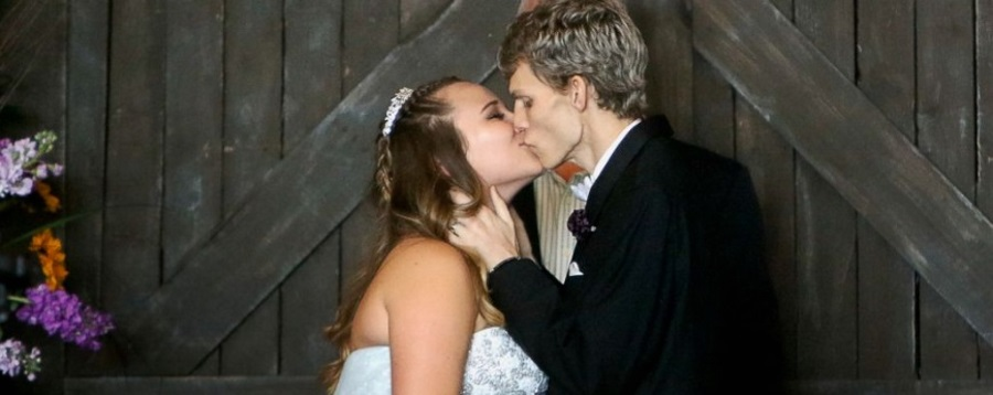 Synovial Sarcoma Cancer, Teen with terminal cancer marries girlfriend, Teen with cancer marries high school sweetheart, Dustin Snyder
