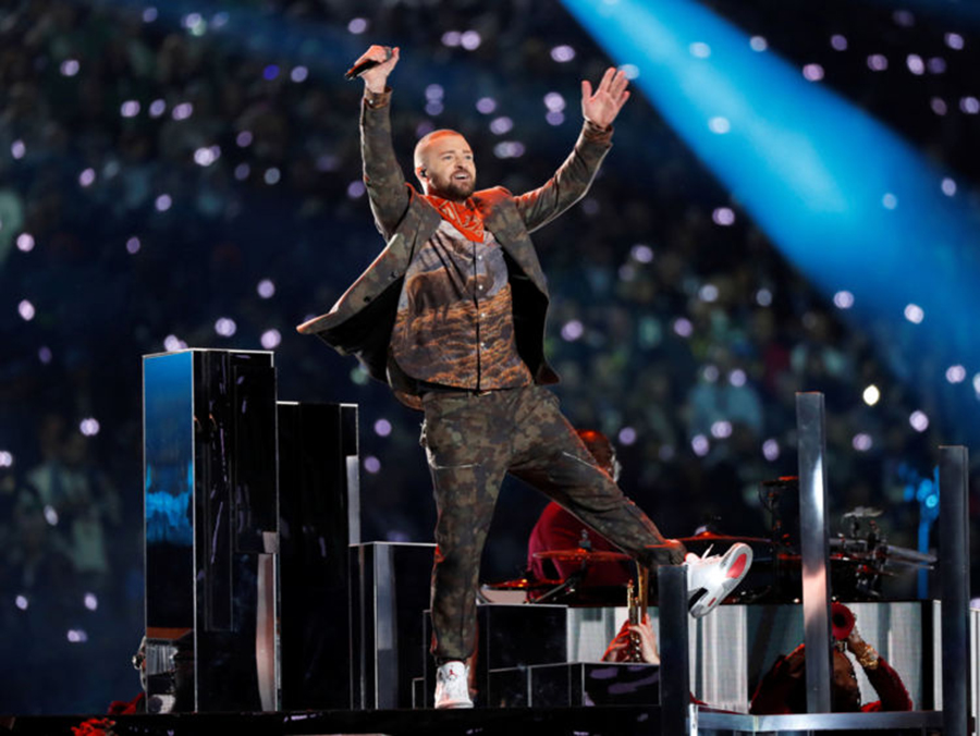 Philadelphia Eagles defeated the New England Patriots, Justin Timberlake tribute to Prince, Janet Jackson nipple, Pink spits gum thanks to the flu
