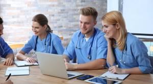 4 Reasons to Become a School Nurse