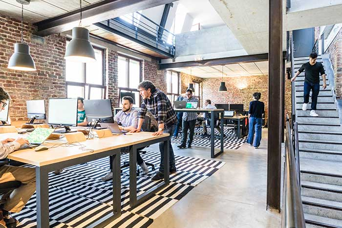 How to Encourage Professionalism With Technology in the Workplace