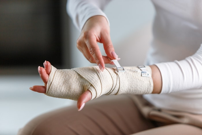 Recognizing And Responding To Early Signs Of An Injury To The Hand Or Wrist