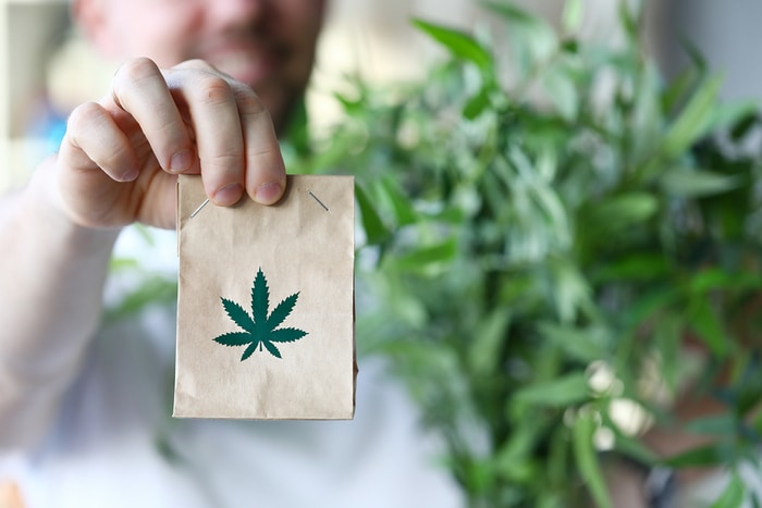 5 Advantages of Buying Cannabis from Online Dispensaries