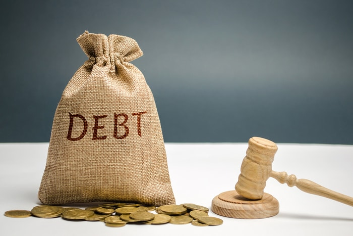Save or Kill your Debt: Which Option Makes More Financial Sense?