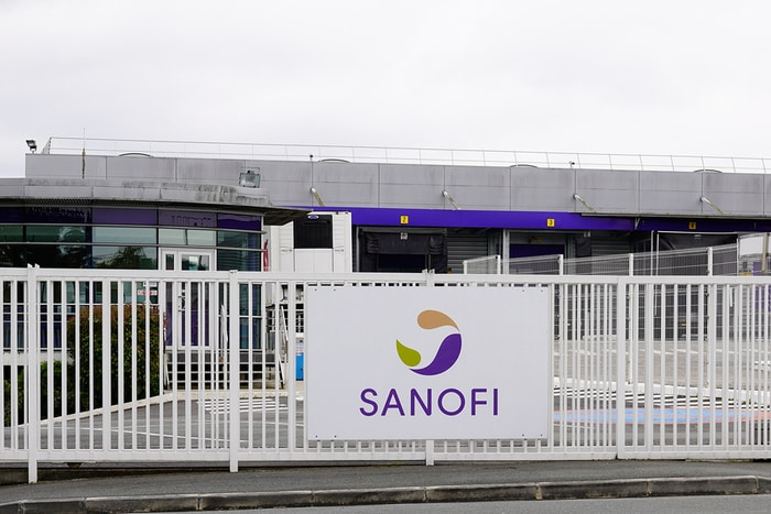 Sanofi Suspends Recruiting Participants for Hydroxychloroquine Clinical Trials for COVID-19