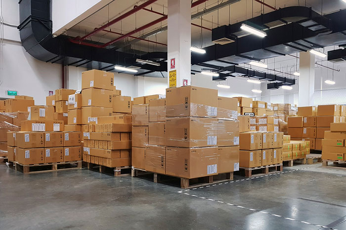 Starting Your Own Shipping Center: How to Make It in the Postal Industry