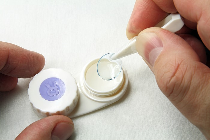 Buying Contact Lenses Without A Prescription