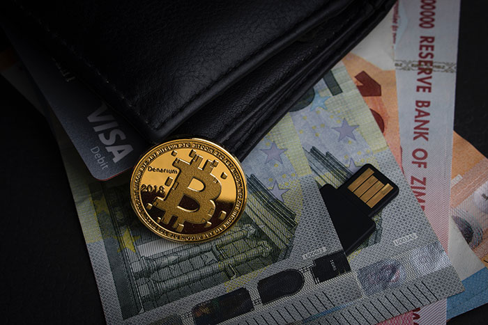 How Does Bitcoin Work? Pros and Cons of Bitcoins