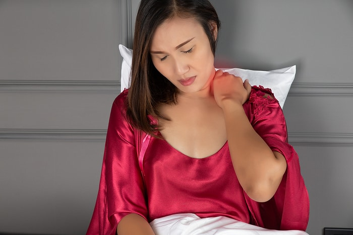 Morning Neck Pain? Why it Happens and How to Prevent it