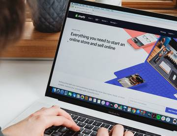 What Is A Shopify Expert & Should You Hire One To Level Up Your Shopify Business Game?