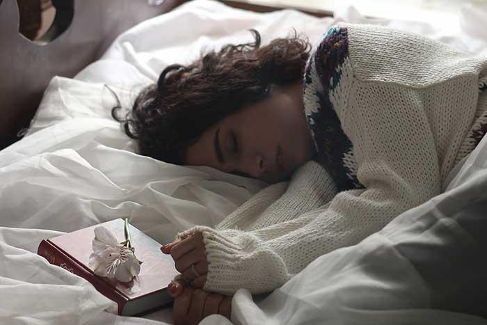 6 Luxury Sleep Accessories You Need to Improve Your Sleep Quality