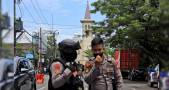 Suicide Bombers Attack Church in Indonesia during Palm Sunday Mass, Wounding 14